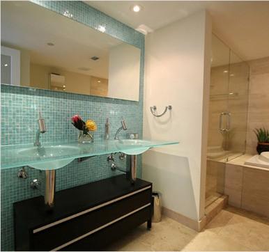 Glass bathroom tile design idea