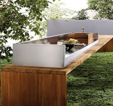 Outdoor Kitchen Design with Kitchen Accessories