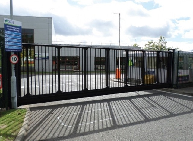 Automatic Entrance Gate by Toshi Automatic Systems Pvt. Ltd.