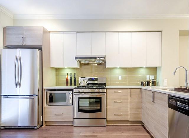 L Shaped Kitchen by Siravi Modular Kitchen