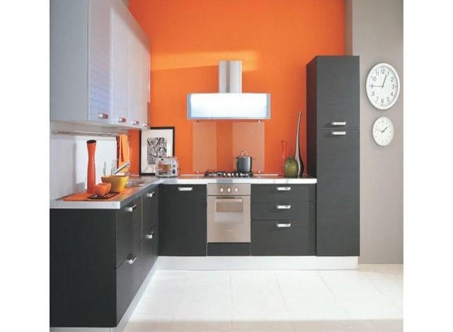 Smart L-shaped Kitchen by D.Kumar Lamituff Glasses Pvt. Ltd.