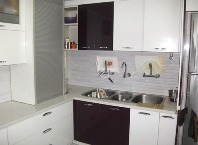 L Shape Modular Kitchen by Woodco Interiors